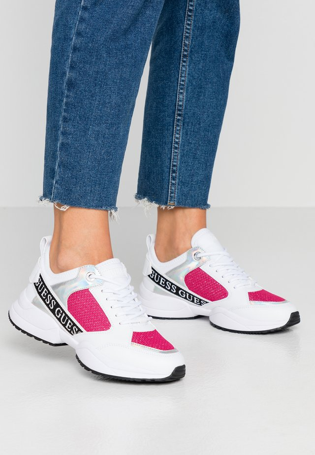 BREETA - Sneakers laag - white/fuchsia
