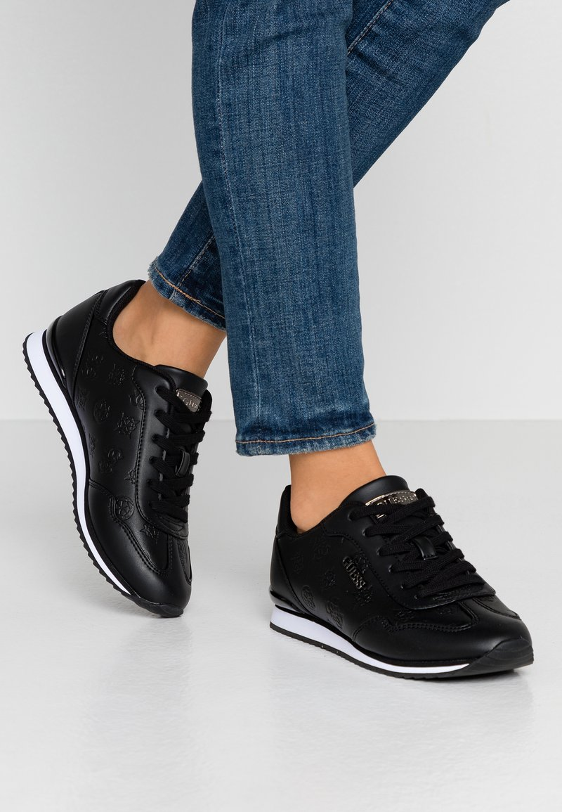 Guess - CHARLIN - Sneakersy niskie - black