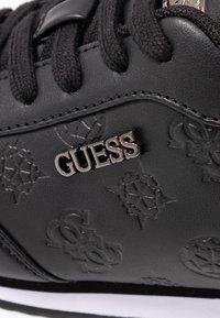 Guess - CHARLIN - Sneakersy niskie - black - 2