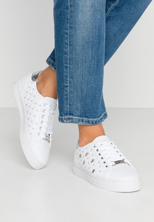 GLADISS - Baskets basses - white
