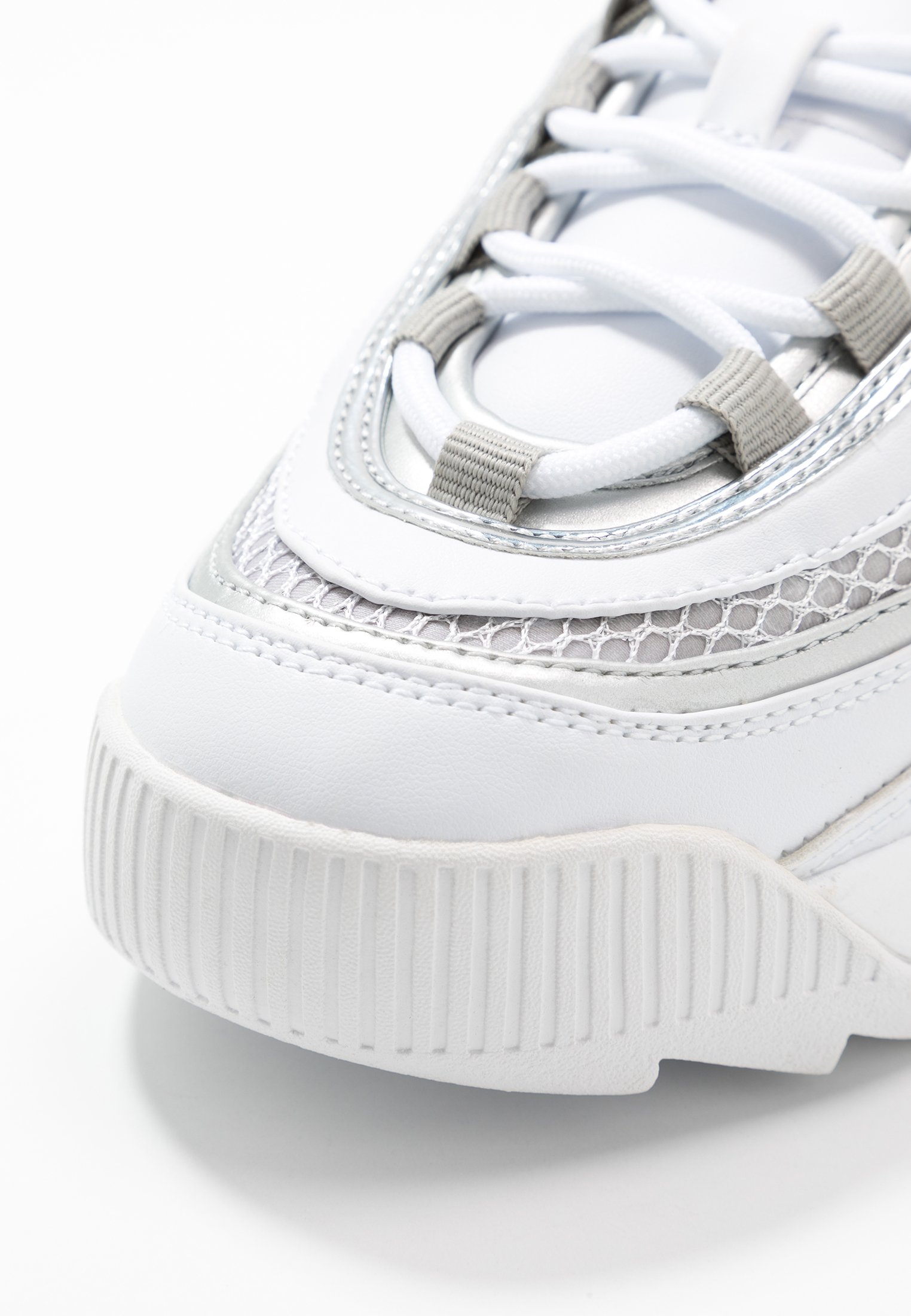 Guess KAYSIE  - Sneakersy niskie - white