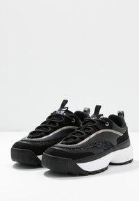 Guess - KAYSIE  - Sneakers - black - 4