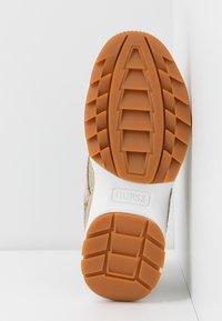 Guess - KAYSIE - Sneakers - beige/brown - 6