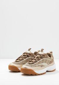 Guess - KAYSIE - Sneakers - beige/brown - 4