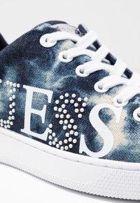 Guess - RIDER - Sneakersy niskie - denim - 2