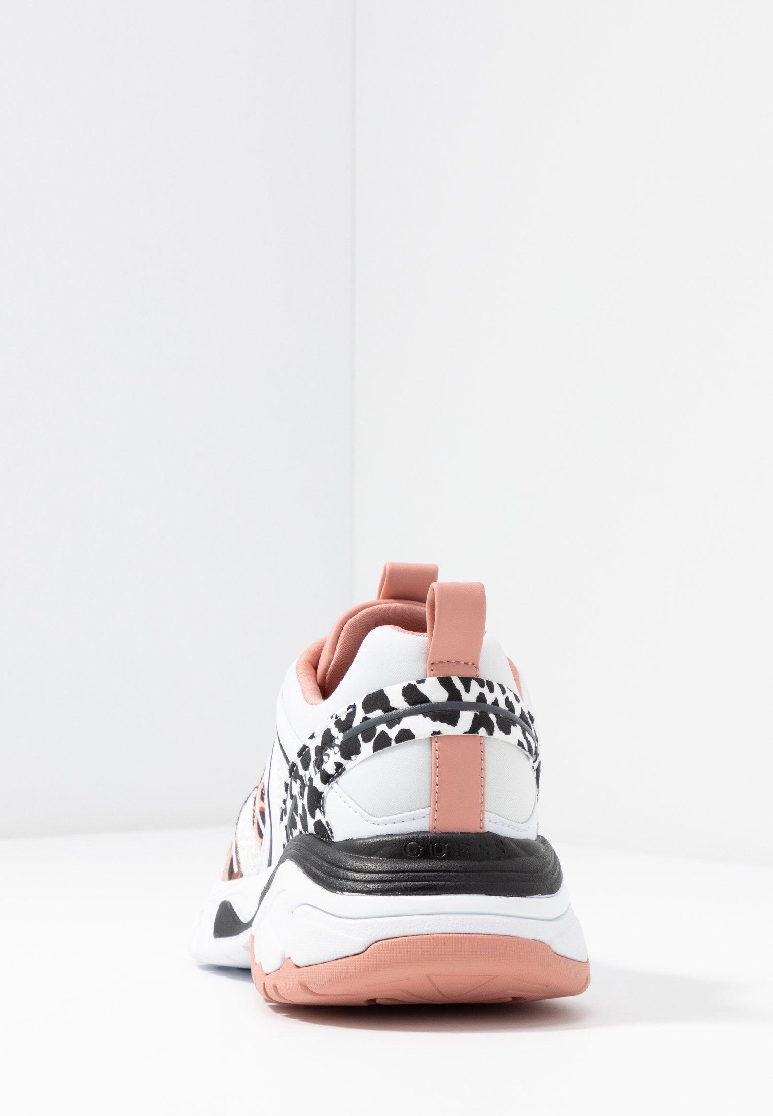 Guess MARLIA - Sneakersy niskie - blush