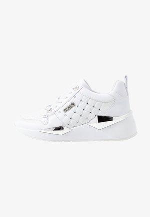 TALLYA - Baskets basses - white