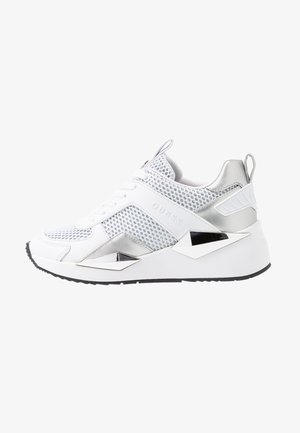 TYPICAL - Sneakers basse - white