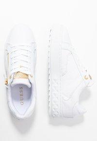Guess - FIGGI - Sneakers basse - white - 3