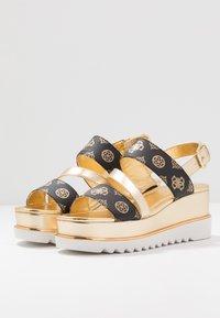 Guess - LEDELLE - Sandály na platformě - brown - 4