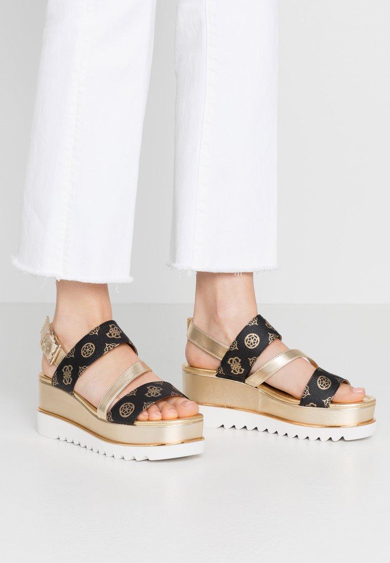 Guess - LEDELLE - Sandály na platformě - brown