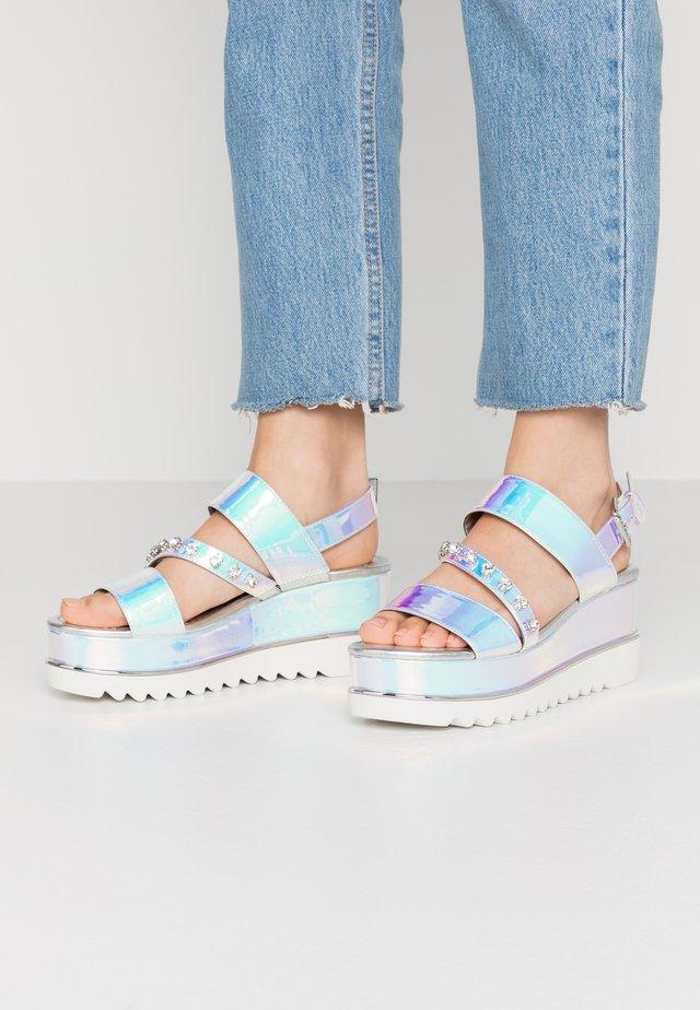 LEDELL - Korkeakorkoiset sandaalit - silve