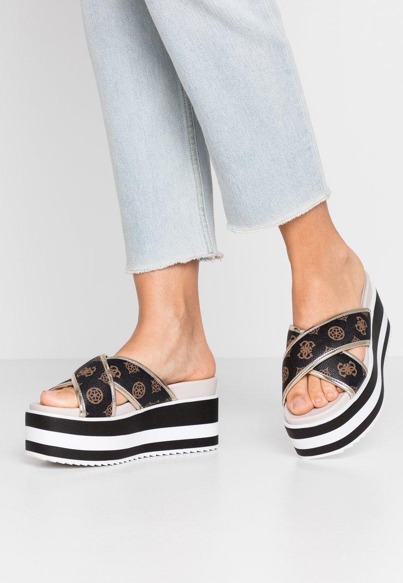 Guess - REMINA - Pantofle na podpatku - multicolor