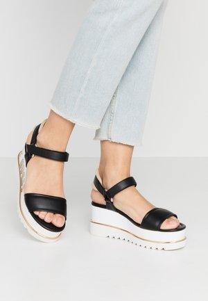 LESSA - Sandály na platformě - black