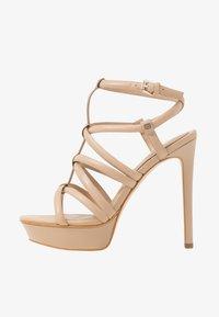 Guess - ELERI - Korolliset sandaalit - beige neutro - 1