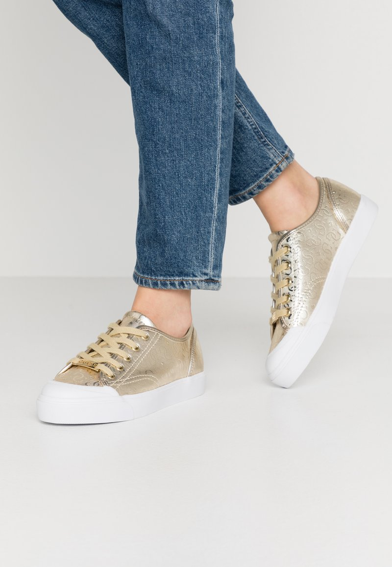 Guess - GITNEY - Sneakers laag - gold