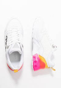 Guess - TANDEY - Sneaker low - white/pink - 3