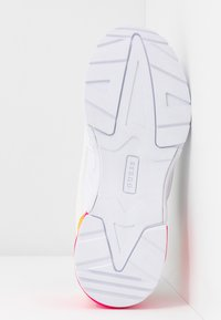 Guess - TANDEY - Sneaker low - white/pink - 6