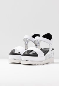 Guess - LESSA - Platform sandals - white - 4