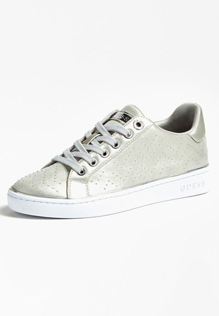 Guess Bikram Mikro-nieten - Sneaker Low Silver Black Friday