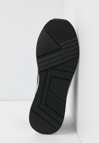 Guess - Trainers - black - 6