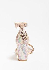 Guess - GUESS SANDALETTE MELISA - High heeled sandals - gemustert multicolor - 3