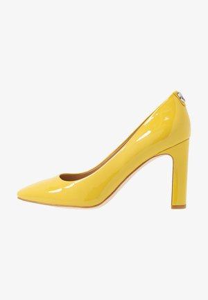 BLENDA - Escarpins à talons hauts - yellow