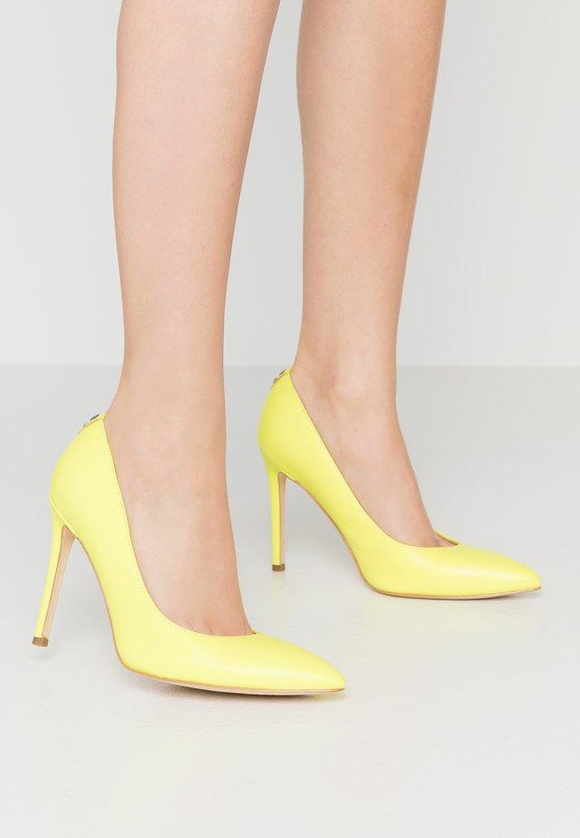 CREW - Hoge hakken - yellow