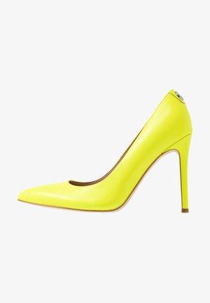 CREW - Zapatos altos - yellow