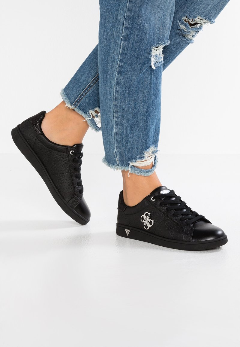 Guess - BAYSIC2 - Sneakers laag - black