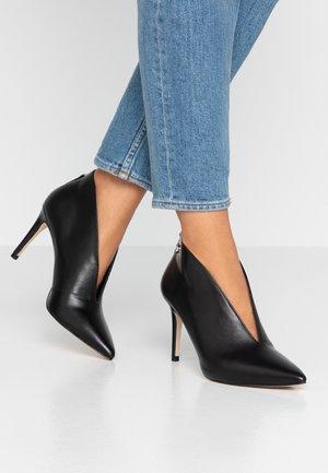 BOANA - Kotníková obuv na vysokém podpatku - black