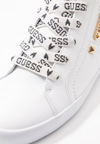 Guess - PORTLY - Sneakers hoog - white - 2
