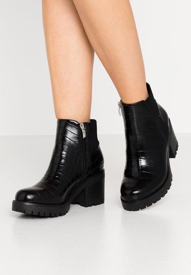 BRIA - Korte laarzen - black