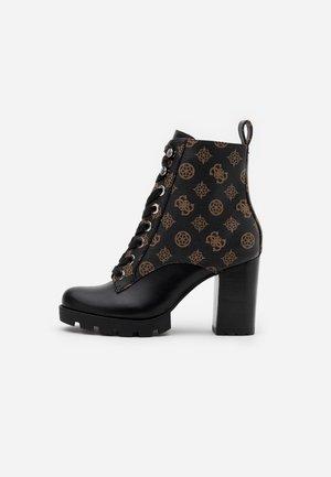 RAIZELA - Kotníková obuv na vysokém podpatku - brown/ocra