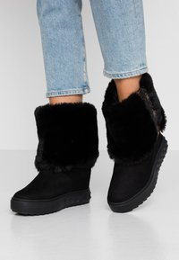 Guess - FELLO - Wedge Ankle Boots - black - 0