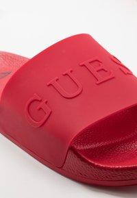 Guess - SLIDES - Chanclas de baño - red - 5