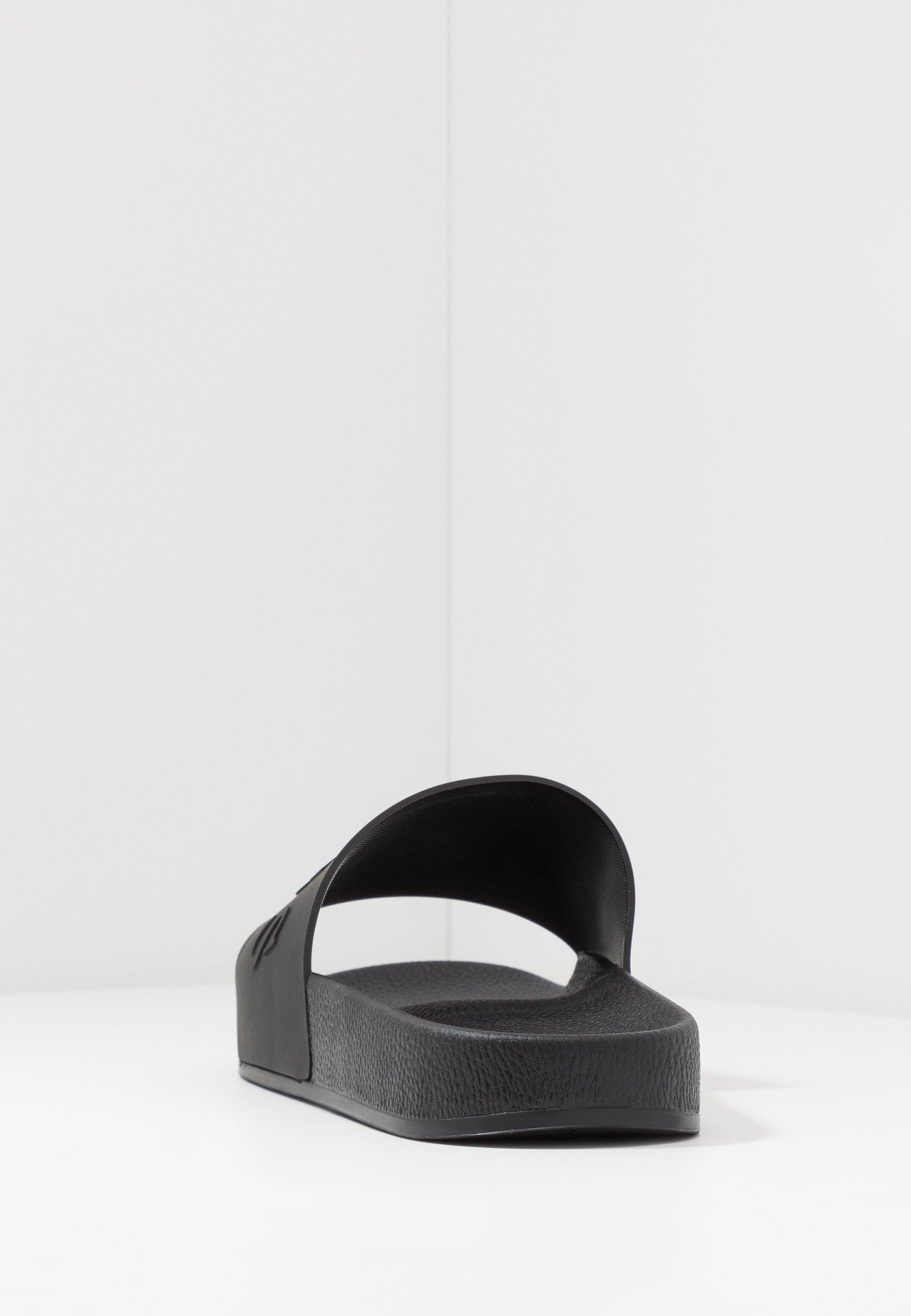 Guess SLIDES - Sandales de bain - black