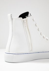 Guess - LUISS MID - Zapatillas altas - white/blue - 6