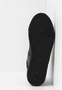 Guess - KALLEN - Sneakersy wysokie - black - 4