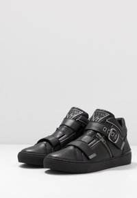Guess - KALLEN - Sneakersy wysokie - black - 2