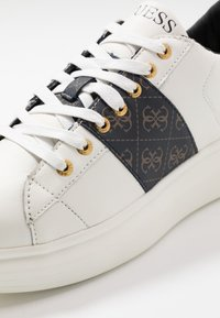 Guess - KEAN - Zapatillas - brown/ocra - 5