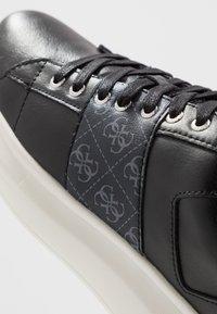 Guess - KEAN - Trainers - black/grey - 5