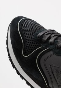 Guess - NEW GLORYM - Sneakers - black - 5