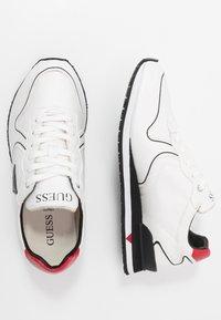 Guess - NEW GLORYM - Sneakersy niskie - white - 1
