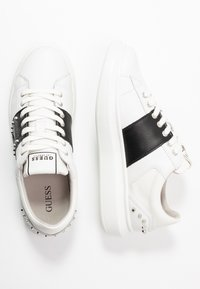 Guess - SALERNO II - Sneakers laag - white/black - 1