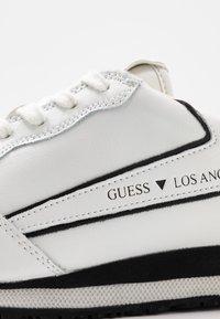 Guess - GENOVA - Sneakers basse - white - 5