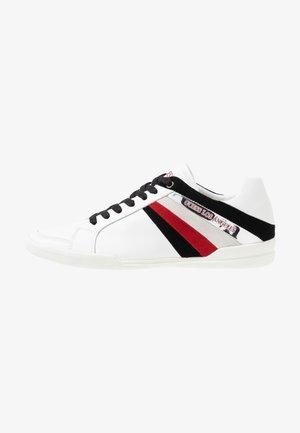 MARTE - Sneakers basse - white/pred