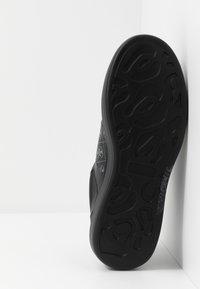 Guess - SALERNO II - Sneakers - black/grey - 4