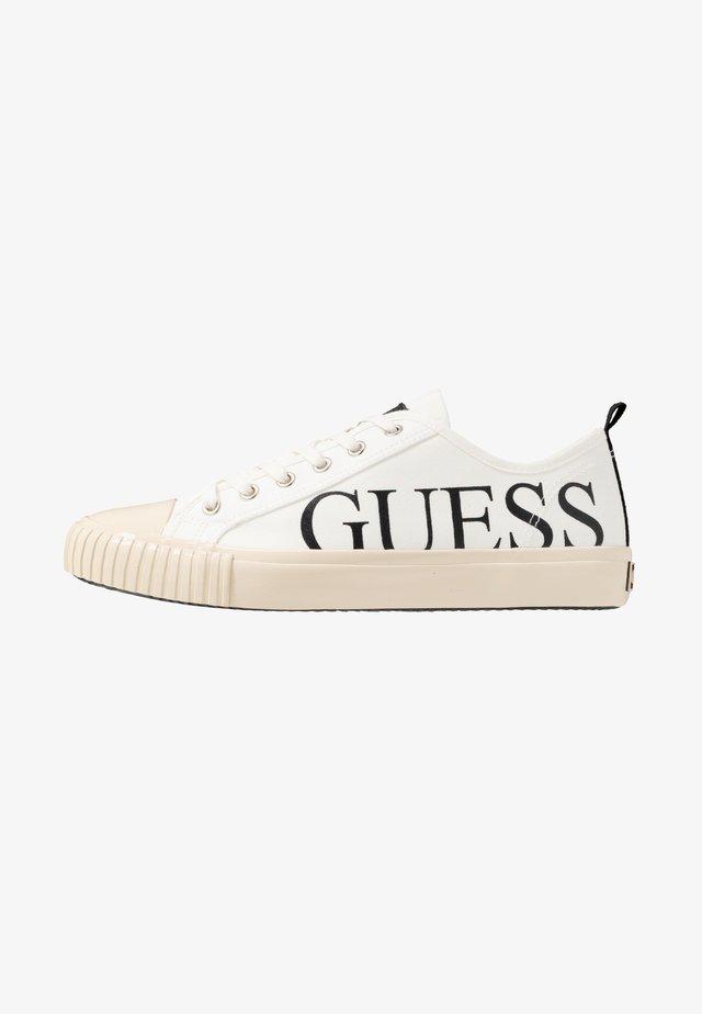 NEW WINNERS - Baskets basses - white