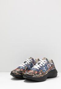 Guess - VITERBO - Sneakers - multicolor - 2